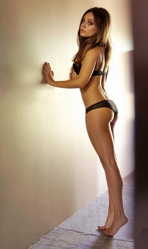 Mila Kunis ass WOW!