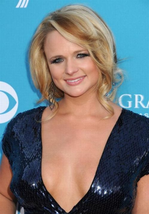 Miranda Lambert Boobs