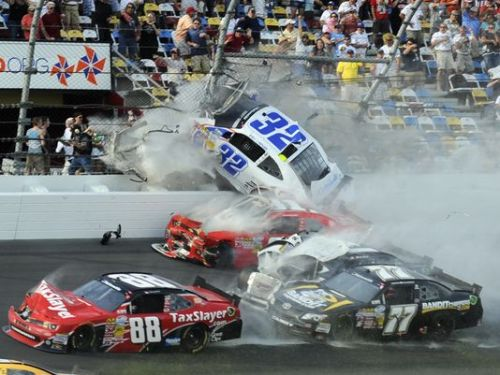 Kyle Larson Daytona Crash