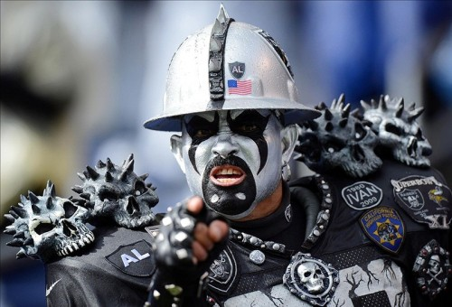 oakland-raiders-fans-2013